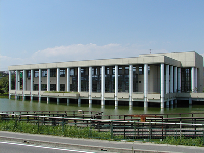 武豊町立図書館