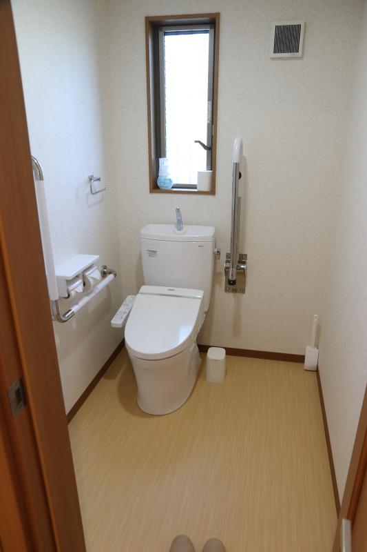 飛雪の滝キャンプ場コテージトイレ