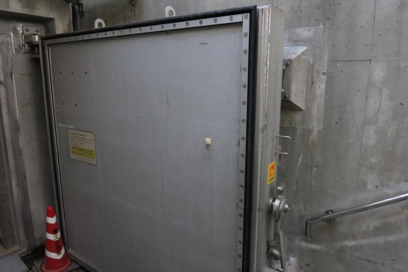 紀の川大堰魚道観察室