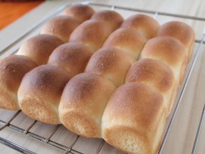 ちぎりパンを焼きました!