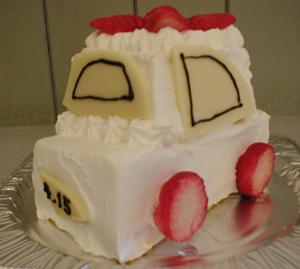 車のケーキ2