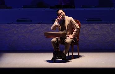 琴伝流全国大会(夏目漱石に扮する宮本さん)