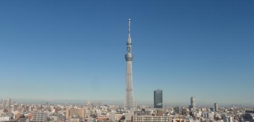 青空に映える東京スカイツリー