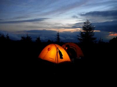 ジョンソンカフェ 山 テント