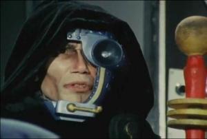 今日も濃い目のメイクなモンスター教授