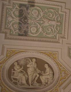 立体的な天井の壁画