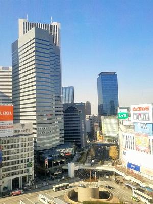 東京・新宿駅西口の風景