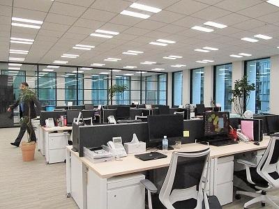 「nippon.com」 新事務所