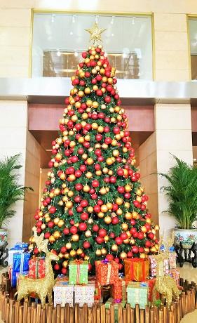北京飯店のクリスマスツリー