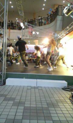 フルルガーデン踊り写真