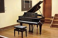 豊郷小学校のスタインウェイピアノ