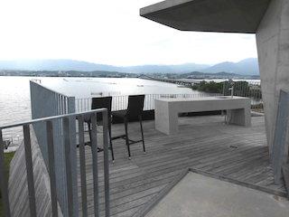セトレマリーナびわ湖の屋上からの琵琶湖大橋の景色