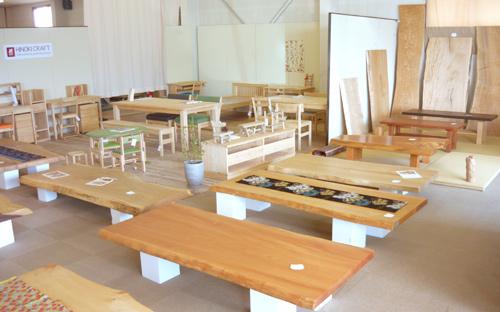 ヒノキクラフト家具の展示