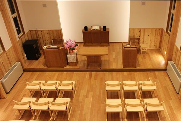 ひのき無垢 教会の家具