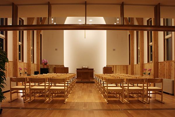 ひのき無垢 教会の家具7