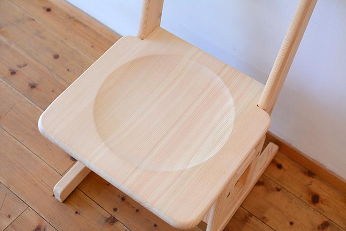 ひのき無垢 高さ調整式学習椅子5