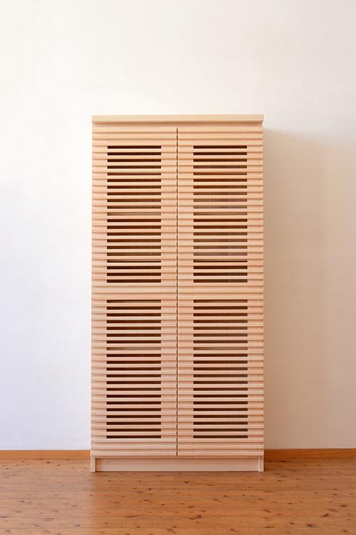 ひのき無垢 格子扉の食器棚1