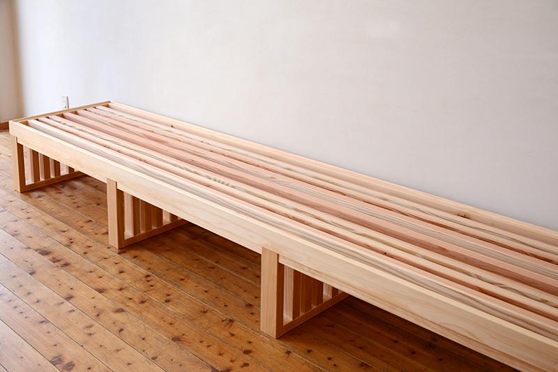 お茶ミュージアム ひのき無垢 格子テーブル2