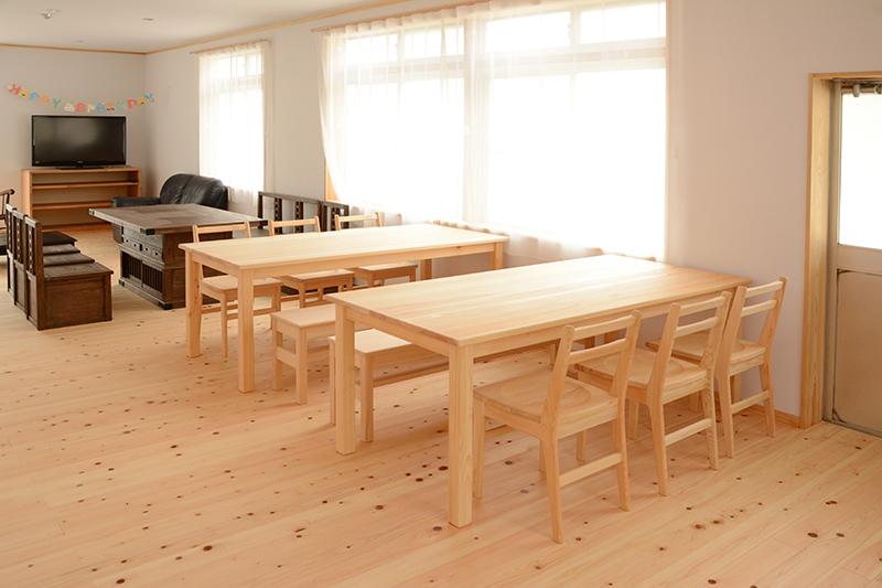 ひのき無垢 ふもとっぱら キャンプ 無垢家具10