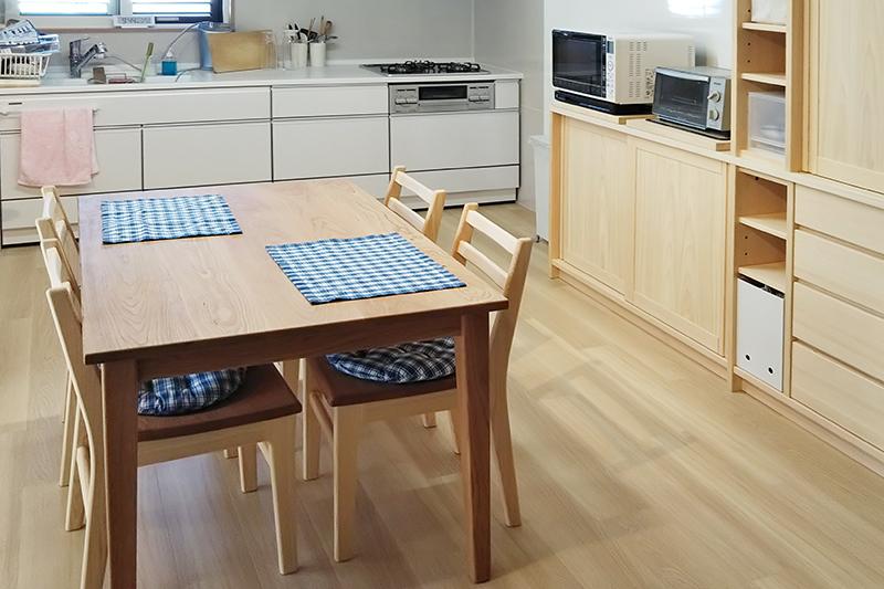 ひのき無垢 キッチン 食器棚1