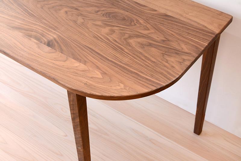 ヒノキクラフト ウォールナットのテーブル2