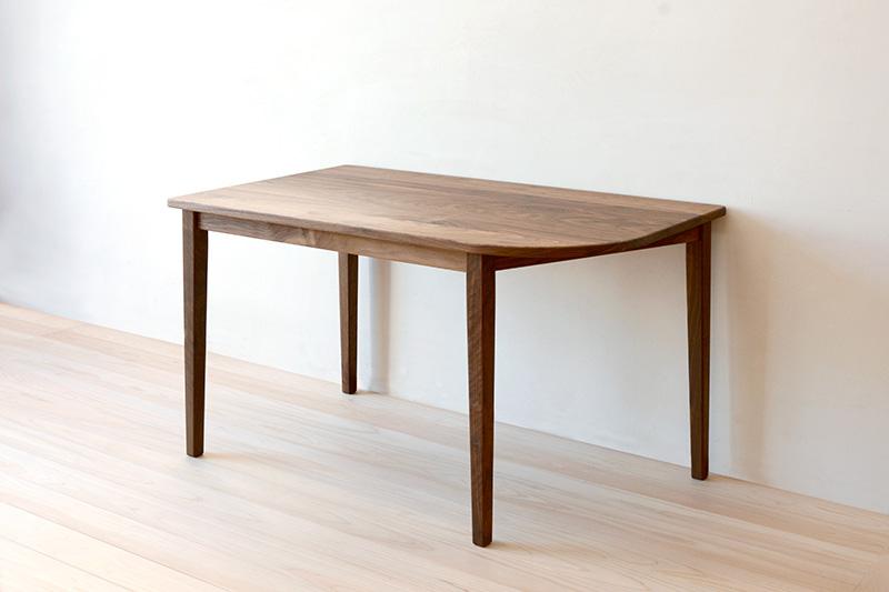 ヒノキクラフト ウォールナットのテーブル4