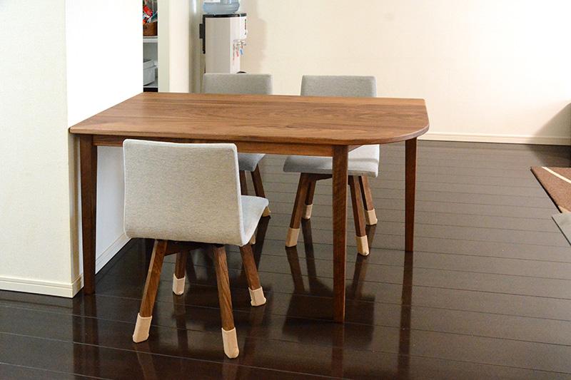 ヒノキクラフト ウォールナットのテーブル5