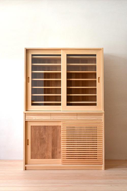 ヒノキクラフト 引き戸食器棚1