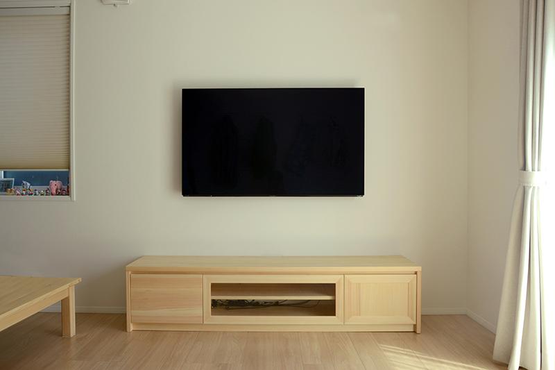 ヒノキクラフト 壁掛けテレビボード1