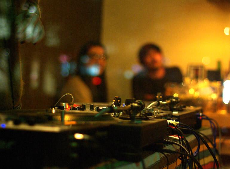AGOLA | party