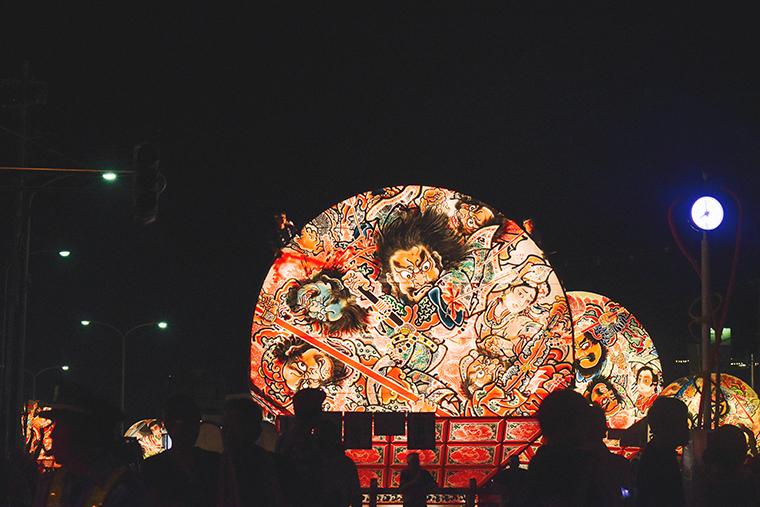 暮らす旅,日本縦断,家族旅,親子旅,子連れ旅行,子連れ旅,日本一周,こありっぷ,本州,キャンプ,食,民芸,民藝,吉田ちかげ,青森県,弘前市,弘前,弘前ねぷた,ねぷた絵師,東北,ねぷた祭,祭,祭り,東北三大祭