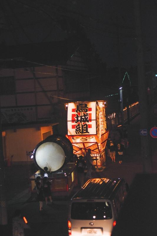 暮らす旅,日本縦断,家族旅,親子旅,子連れ旅行,子連れ旅,日本一周,こありっぷ,本州,キャンプ,食,民芸,民藝,吉田ちかげ,青森県,弘前市,弘前,弘前ねぷた,ねぷた絵師,東北,ねぷた祭,祭,祭り,東北三大祭,黒石,こみせ通り