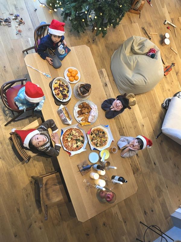 ホリデーシーズン,クリスマス,クリスマス準備,おうちクリスマス,まつぼっくり,DIY,クリスマスツリー,クリスマスリース,豊かな暮らし