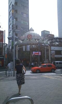 パールセンター入口