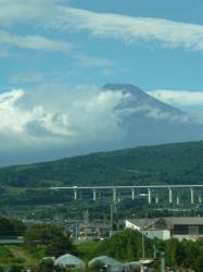 富士山、新幹線から☆16-9-3