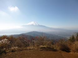 石割山山頂からの富士山☆16-11-13