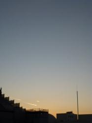 夕景、飛行機雲、島忠屋上☆16-12-10