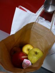 5種類のりんご、相馬から☆17-12-12