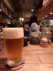 Hiruko、カウンターでビール☆18-4-22