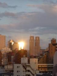 夕日の反射、都庁方面☆18-4-27