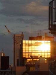 夕日の反射、新中野ビル☆18-4-27