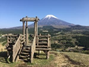 愛鷹山、展望台から富士山☆18-4-28