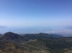 愛鷹山、越前岳頂上から駿河湾☆18-4-28