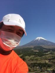 愛鷹山、富士山バックに☆18-4-28