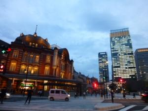 東京駅、丸の内北口付近☆18-6-8