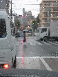 傘さして横断、梅雨入り☆19-6-7