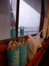 船上バーベキュー、窓越しの海☆19-7-13