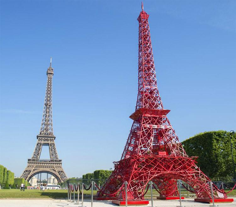 Eiffel.Bistro.Fer.jpg