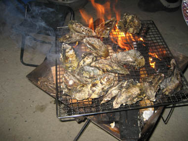 カキの炭火焼