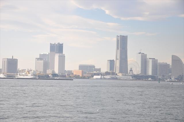 海上からの横浜港